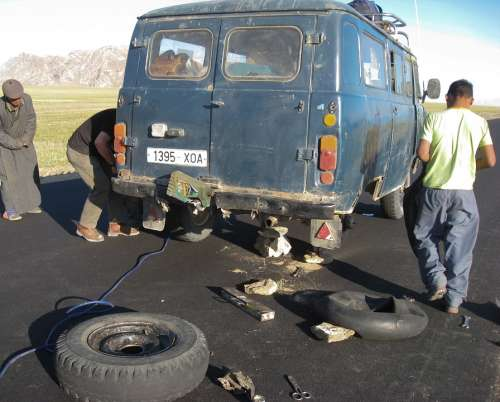 Car Breakdown Breakdown Van Wheels Mongolia