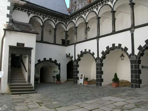 Castle Akadengang Schalaburg