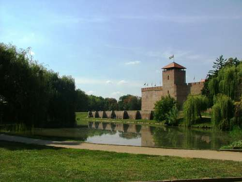 Castle Autumn Nature Lake Park Gyula Castle Gyula