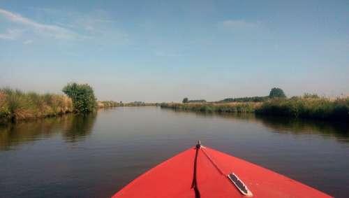 Channel Sun Water Boat Rest