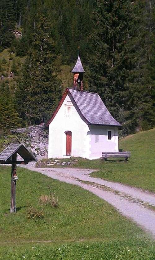 Chapel Church Summer Alpine