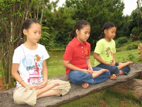 Children Buddhists Bench Tailor Seat Meditate
