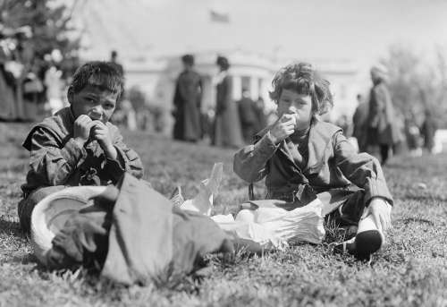 Children Eat Sit America Usa Black And White 1911