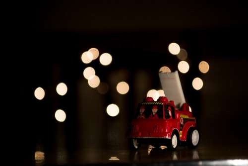 Christmas Toys Lights Fire Truck Game