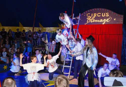 Circus Artists Human Children Cohesion Teamwork
