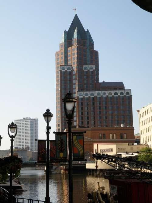 City Centre Milwaukee Illinois
