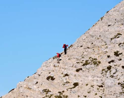 Climbing Climbers Top Upstream Carega Hiking
