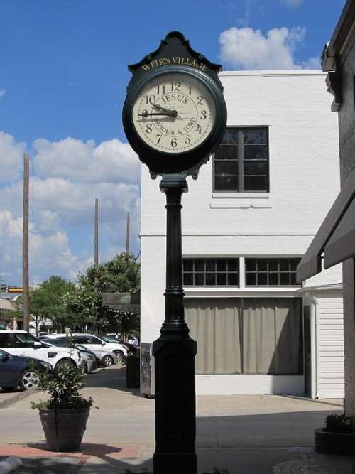 Clock Sidewalk Knox Henderson Dallas Texas