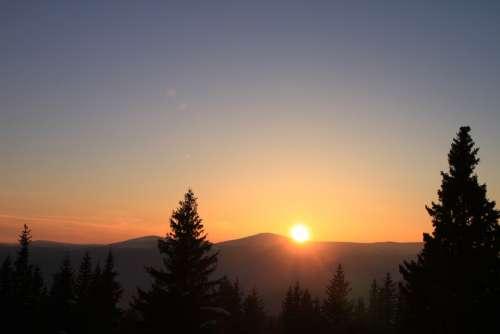 Cold Gorj Mountain Orange Ranca Romania Snow Sun