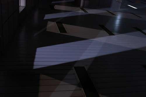 Construction 藝 Sense Of Art Light And Shadow