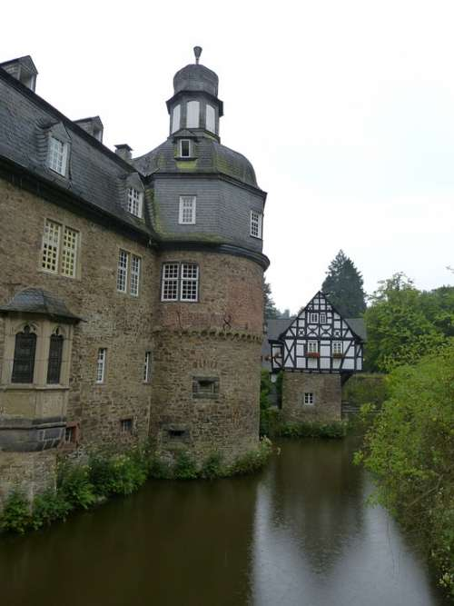 Crottorf Castle Moated Castle Architecture Romance