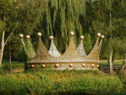 Crown Ornament Park Nature