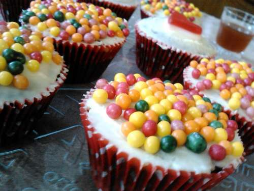Cupcakes Candy Cakes Cereal Balls Pastry Cream