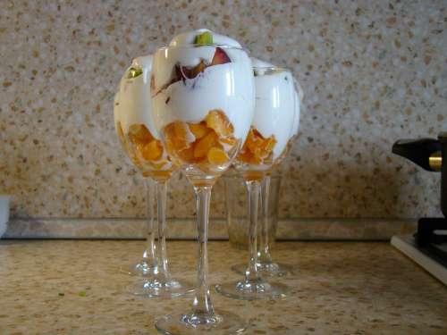 Dessert Cream Syrup Wine Glasses