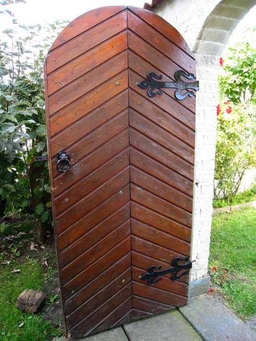 Door Garden Vault Grass Shrubs Summer Seizure
