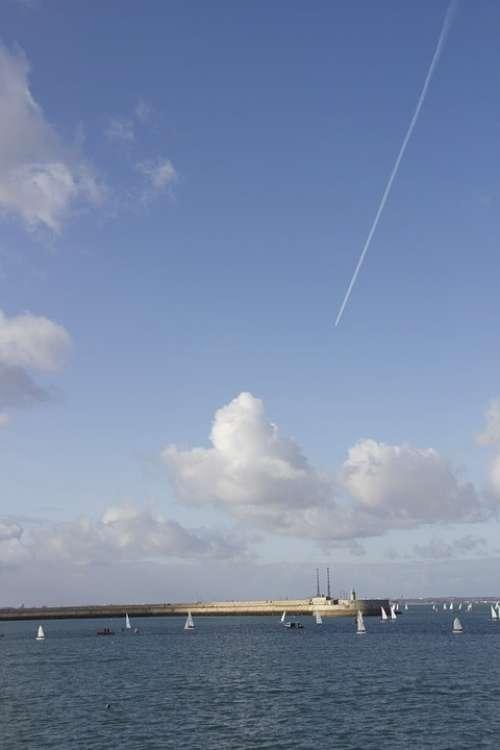 Dublin D Dún Laoghaire Sky Blue Sky Clouds Trail