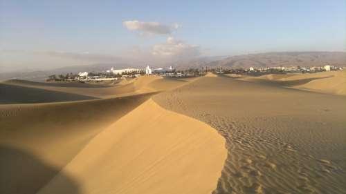 Dunes Hotel Desert Sand