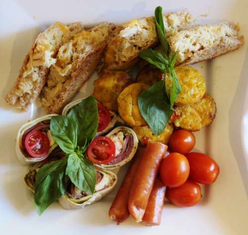 Eat Cold Plate Tomatoes Toast Quiche Buffett