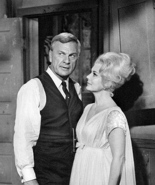 Eddie Albert Eva Gabor Actor Actress Green Acres