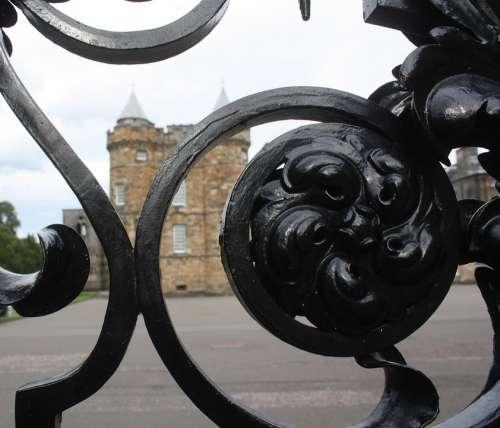 Edinburgh Scotland Palace Of Holyroodhouse Fence