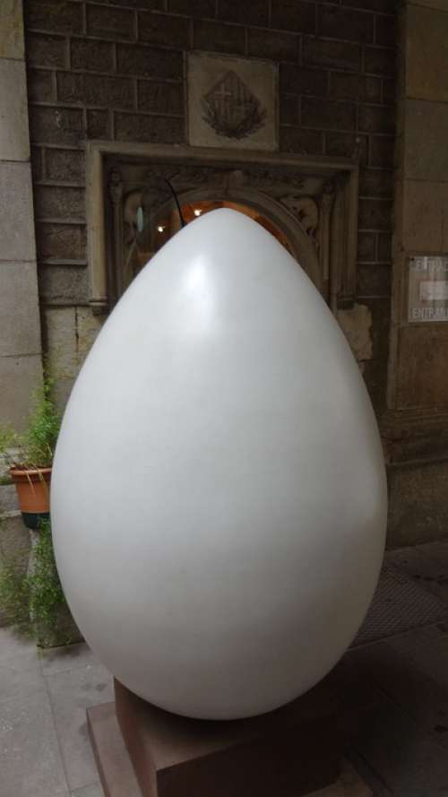 Egg Giant Barcelona Spain
