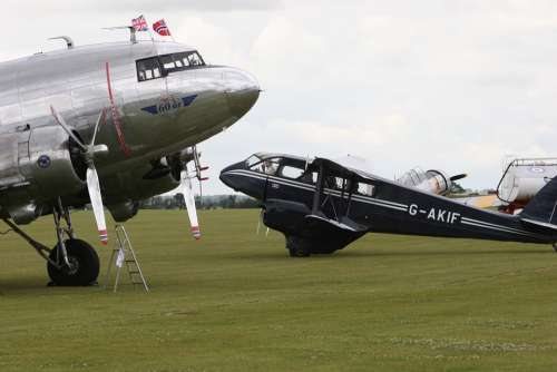 England Aircraft Historically Old Flying Douglas