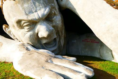 Ervin Ahmad Lóránth Sculpture Giant Stone Figure
