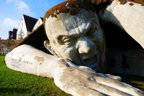 Ervin Ahmad Lóránth Sculpture Giant Stone Cry