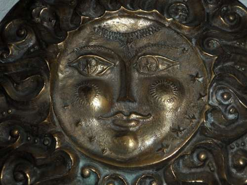 Face Sun Smile Friendly Metal Relief Shiny