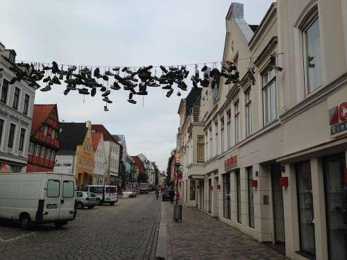 Flensburg Road Shoes Leash Hang Graffiti