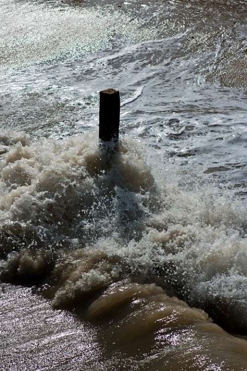 Flood Tide Spray Wave Timber Post North Sea Coast