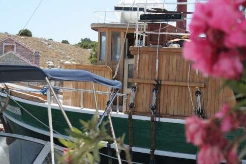 Flower Boat Mediterranean Relaxing