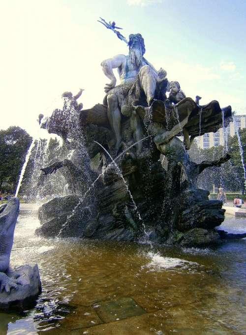 Fountain Water Jet Gargoyle Water Basin Water