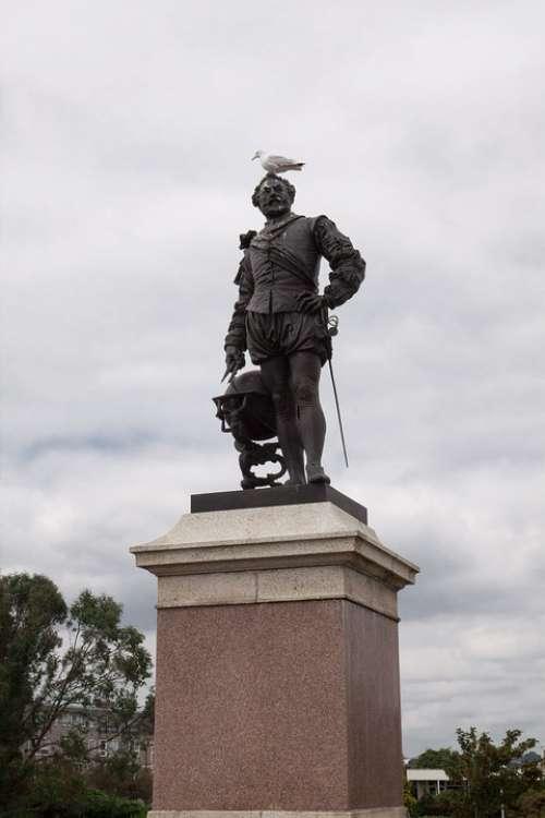Francis Drake Statue Vice Admiral