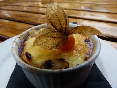 French Creme Brulee Food Dessert Cake Fruit Sweet