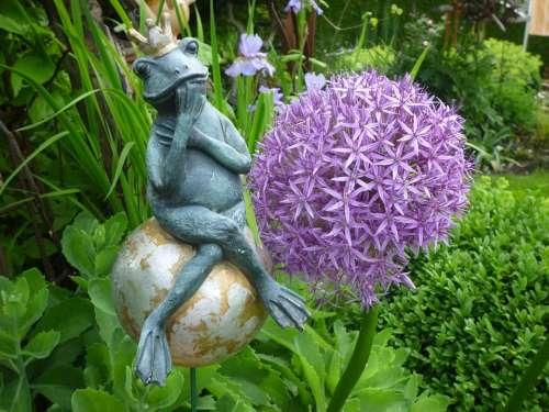 Frog Clay Figure Garden Ornamental Onion