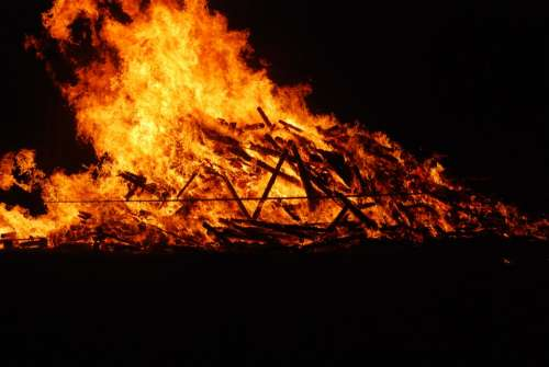 Funeral Pyre Fire May Fire Flame Heat Burn