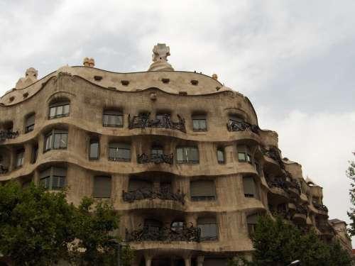 Gaudí Building Barcelona Urban Architecture