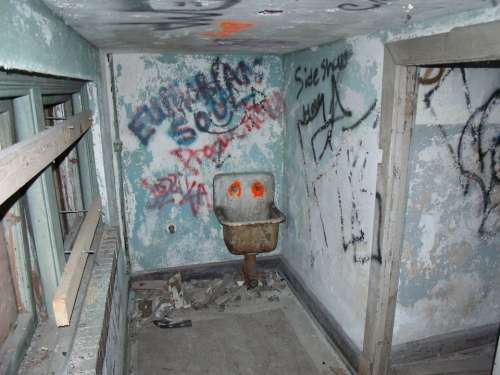 Graffiti Vandalism Abandoned Building Florida