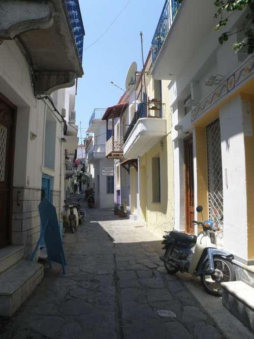 Greece Street Houses Shading