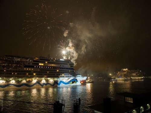 Hamburg Night Hafengeburtstag Cruise Ship Germany