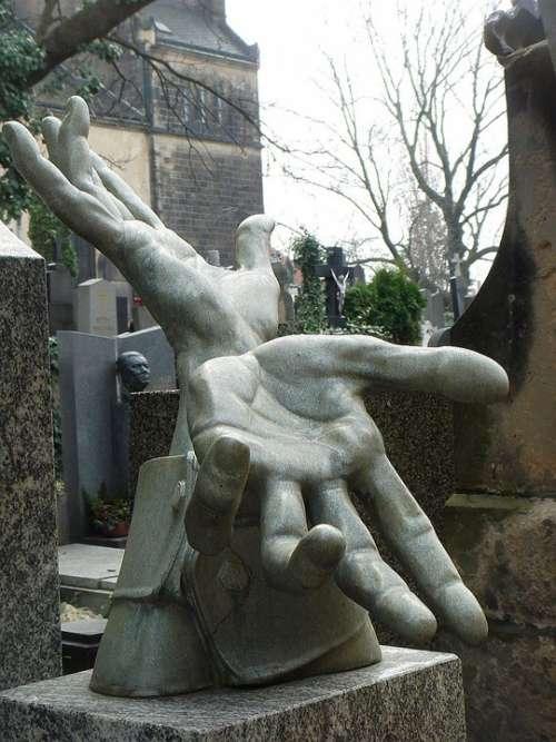 Hands Memorial Cemetery Statue