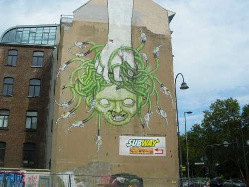 Hauswand Graffiti Cologne Medusa House Facade