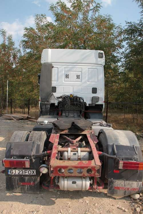 Head Iveco Power Tractor Truck Editorial