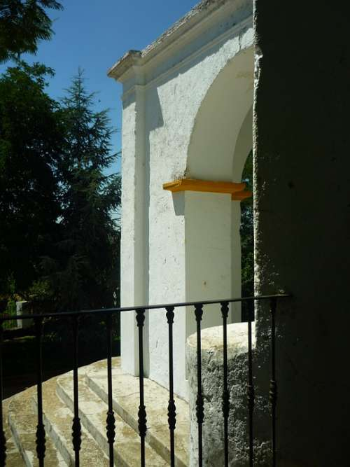 Hermitage Atrium Arc Mouldings Grating Handrail