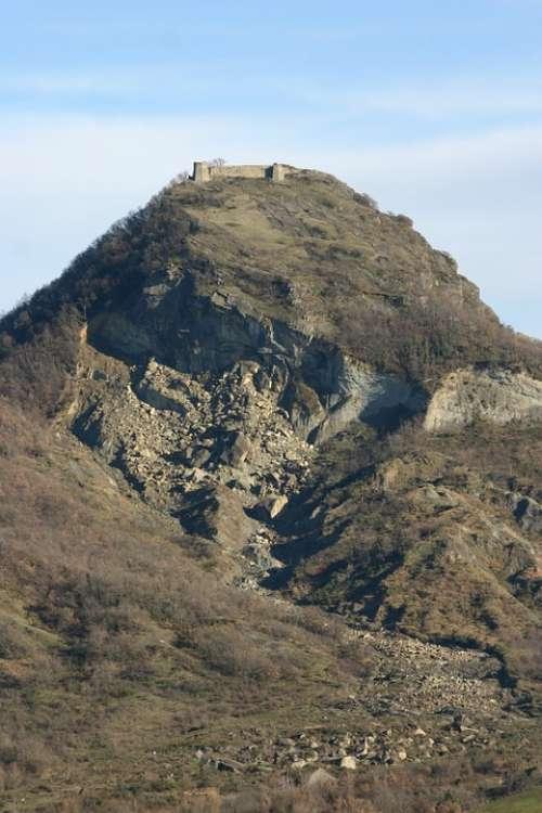 Hills Romagnole Fart Castle