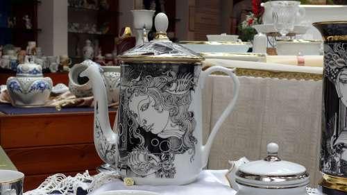 Hollóháza Porcelain Szászendre