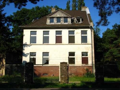 House Abandoned Haunted House Building Window Blue