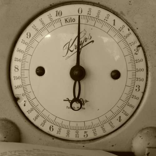Horizontal Kitchen Scale Antique Pay