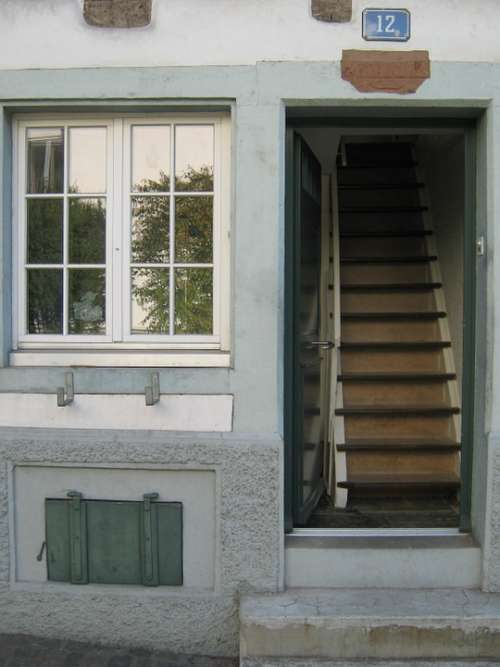 House Wall Window Stairs Gradually Basement